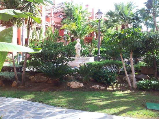 Vasari Vacation Resort: Gardens