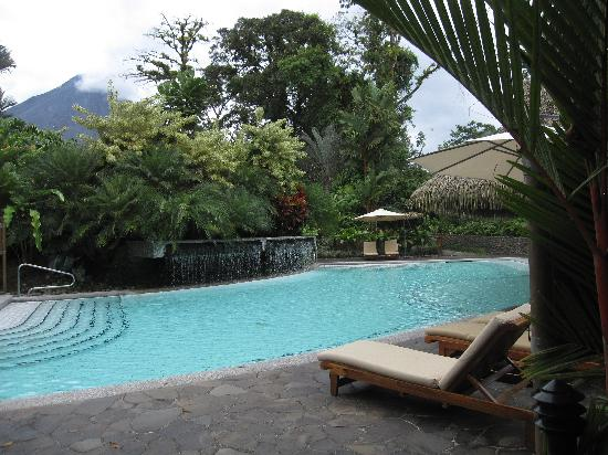 Tabacon Grand Spa Thermal Resort: The main pool from another angle