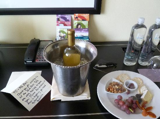 Nine Zero Hotel - a Kimpton Hotel: The lovely welcome