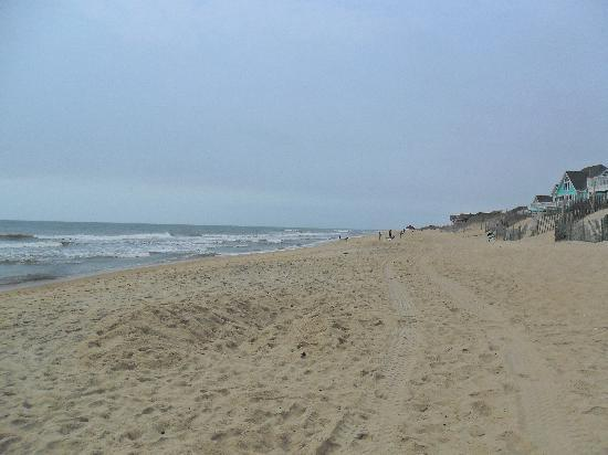 Hatteras Island Inn: empty beaches