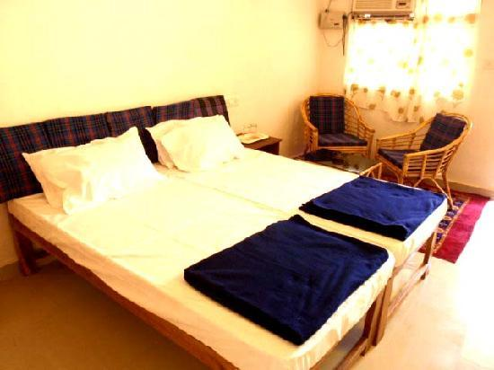 Sunbeach Residency: American size beds, LCD TVs, individually controlled air-conditioning, ceiling fans