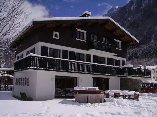Chalet Blanche in winter