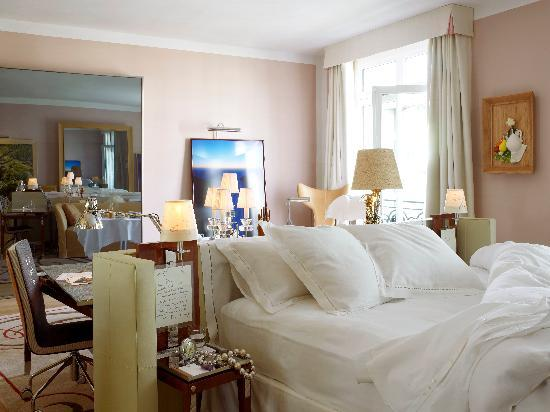 Le Royal Monceau-Raffles Paris: The Suite