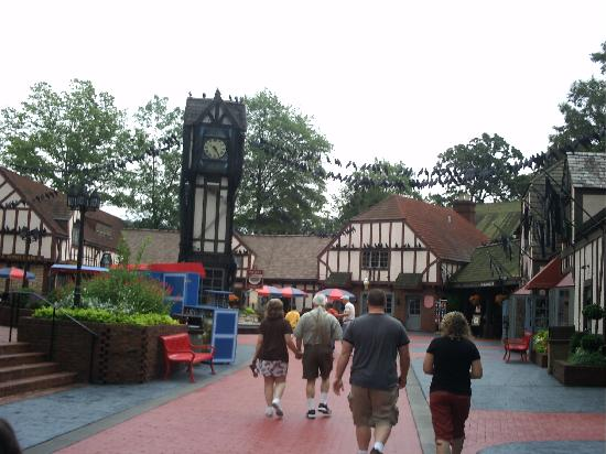 Prince Elmo 39 S Spire Kid 39 S Drop Tower Picture Of Busch