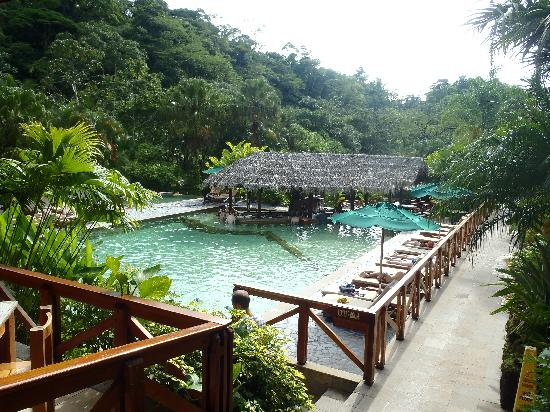 Tabacon Grand Spa Thermal Resort: pool with slide and bar