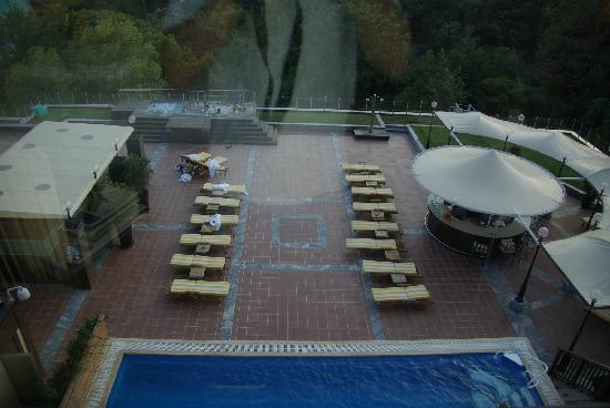 The Ritz-Carlton Istanbul: Pool Area