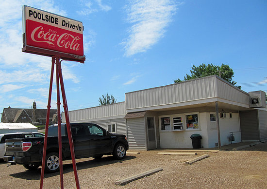 ‪‪Mott‬, ‪North Dakota‬: Poolside Drive-In, Mott ND (photo by Bill Cummings)‬