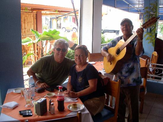 El Roble, Kostaryka: Lunch in Jaco Beach