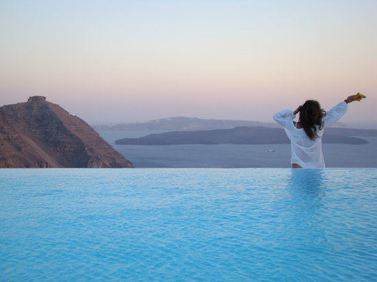 Aenaon Villas: Infinity Pool