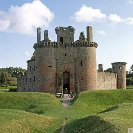 Дамфрис и Галлоуэй, UK: Caerlaverock Castle
