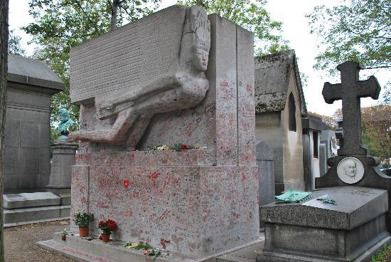 La Tomba Di Oscar Wilde Picture Of Pere Lachaise