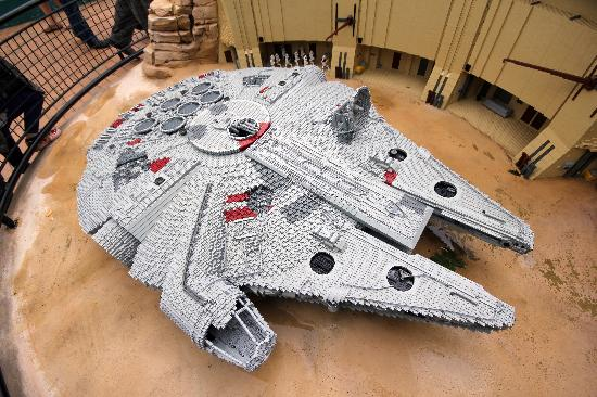 Billund, Dinamarca: Il Millenium Falcon di Star Wars in versione Lego
