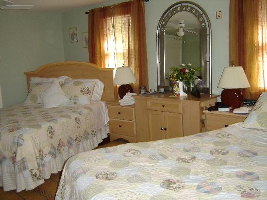 Williams Gate Bed and Breakfast Private Suites: Comfortable beds