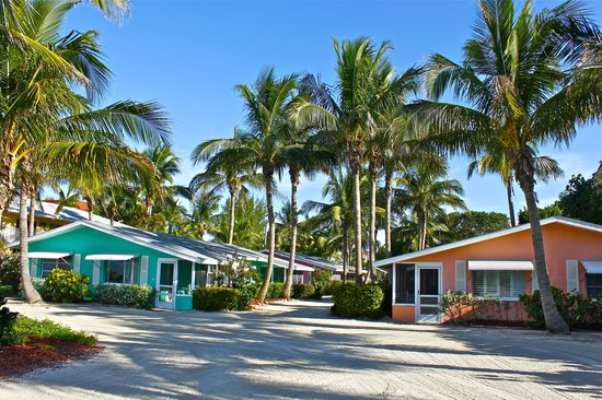Waterside Inn on the Beach: Gulf Front Cottages