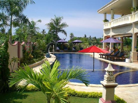 ‪‪Bali Paradise Hotel Boutique Resort‬: Hotelview with Pool‬