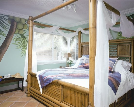 Crane's BeachHouse Hotel & Tiki Bar: One Bed Suite
