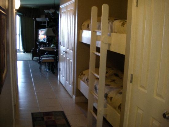 Celadon Beach Resort: hall with bunks
