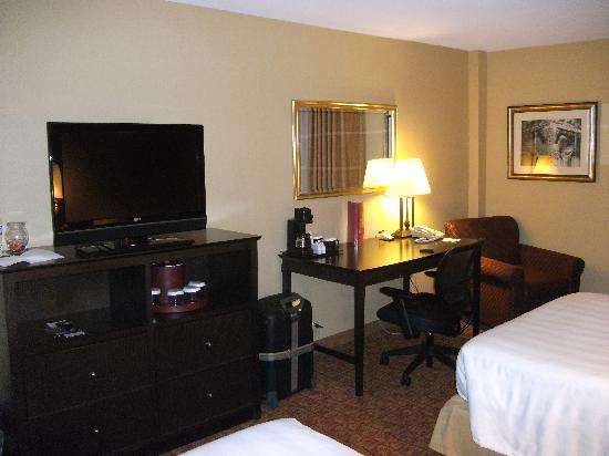 Crowne Plaza Tysons Corner: room