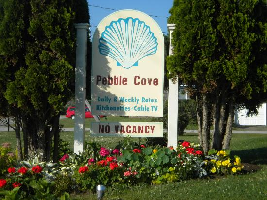 Pebble Cove: sign