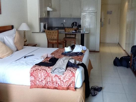 messy bedroom picture of savoy park hotel apartments dubai