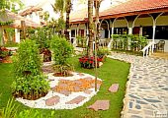 Tropica Bungalow Hotel