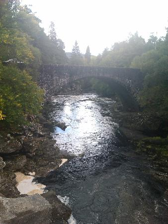 The Old Manse: Falls in Invermoriston nearby