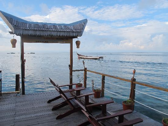 Spheredivers Homestay & Scuba Diving : The sundeck...