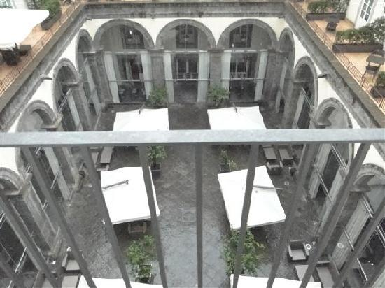 M Gallery Palazzo Caracciolo: View from the room and the courtyard.