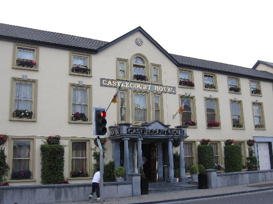 The Castlecourt Hotel : Esterno hotel 