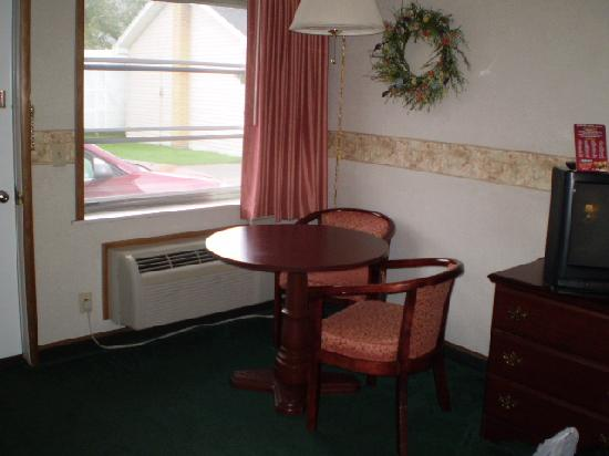 Askwith Lockview Motel: More in cabin seating
