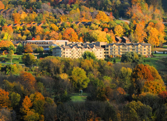 Minerals Resort & Spa: Minerals Hotel Fall