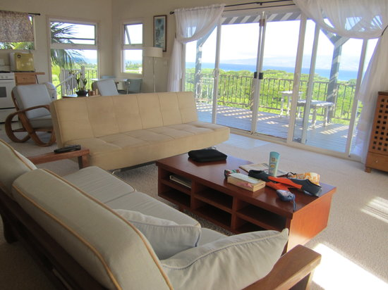 Molokai Hilltop Cottage & West End Studio