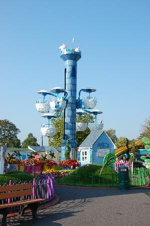 Windy Castle Picture Of Paultons Park Home Of Peppa Pig