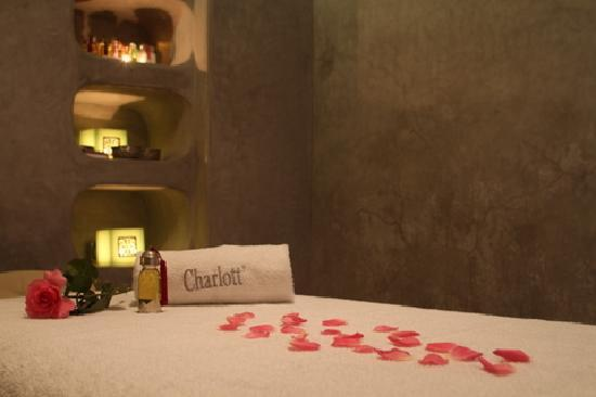 Riad Charlott&#39;: Salle de massage / Room massage
