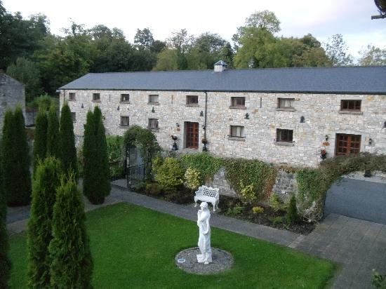 Kingscourt, Ireland: View of Garden Courtyard from our window.