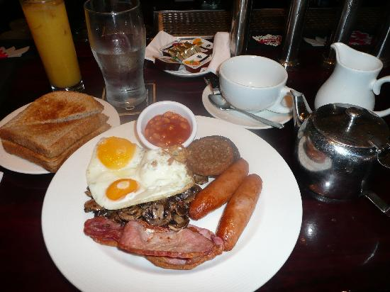 The East Village : Full Irish Breakfast
