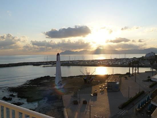 JS Miramar: Sunrise from our room (417)