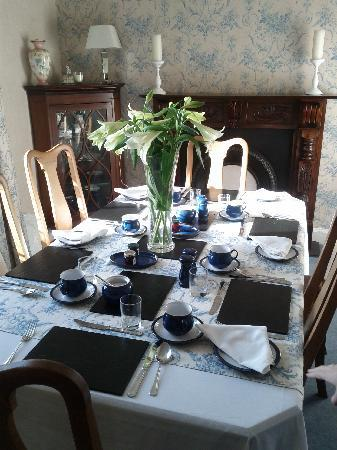 Balyett Bed and Breakfast: Table laid for breakfast