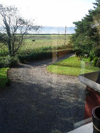 Balyett Bed and Breakfast: Morning view from Bedroom 2