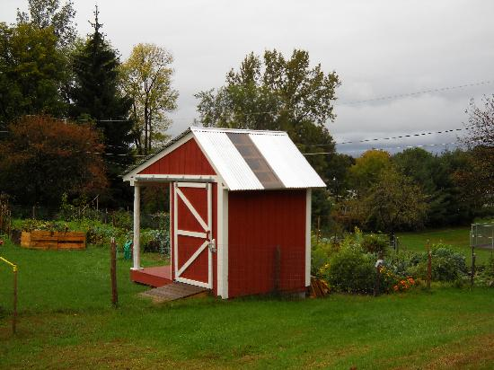 Garden shed on site picture of bel aire motel for Garden shed tripadvisor