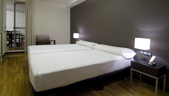 Photo of Apartamentos Mendebaldea Sercotel Pamplona