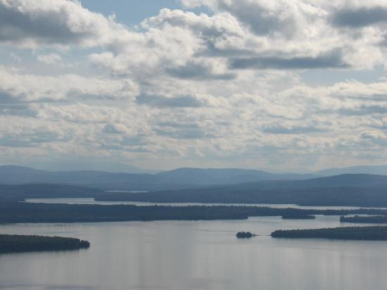 Hunter Cove Cabins on Rangeley Lake: Amazing view from the top of Bald Mountain!! Definitely worth the short hike up!!!