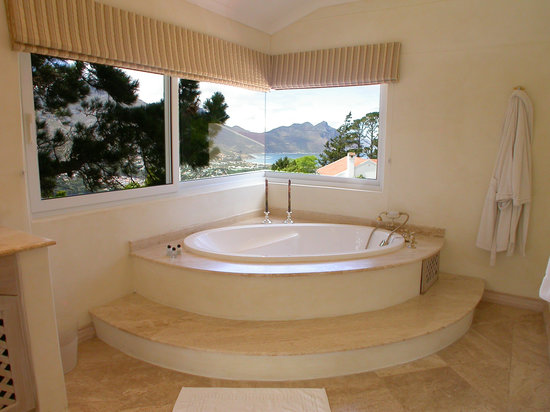 Villa Montebello: Rhodes Suite Bathroom 1
