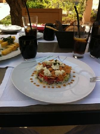 Four Seasons Resort Marrakech: fattoush salad at poolside