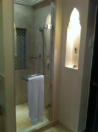 Four Seasons Resort Marrakech: shower