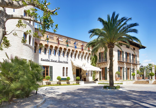 Castillo Hotel Son Vida, a Luxury Collection Hotel: Entrance of Castillo Hotel Son Vida