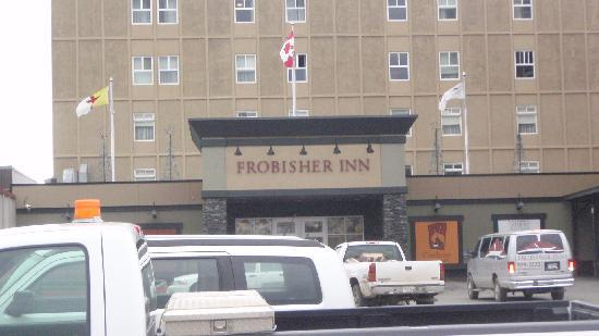 Frobisher Inn: Main Entrance
