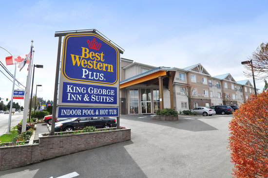 BEST WESTERN PLUS King George Inn & Suites: Hotel Entrance
