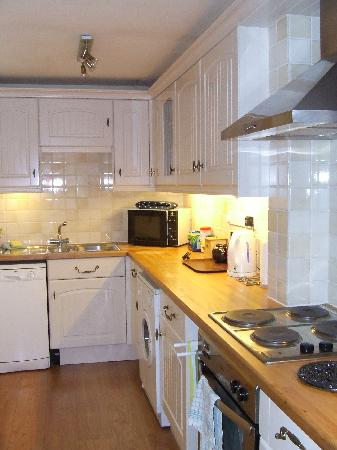 Hungate Cottages: 'Farndale' Kitchen