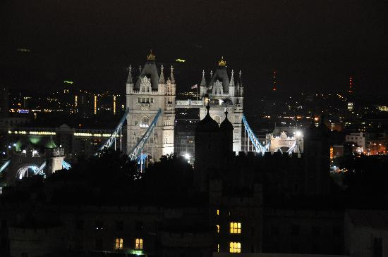 Grange City Hotel: Tower Bridge View fro room